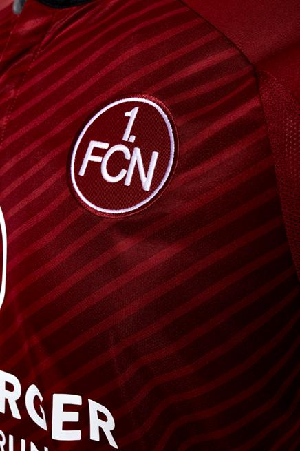 Heimtrikot, hose und socken des 1. FC Nürnberg für die